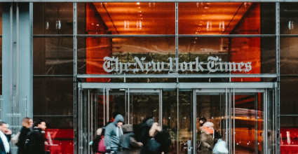 Le New York Times s'offre le studio Serial, producteur de blockbusters du podcast