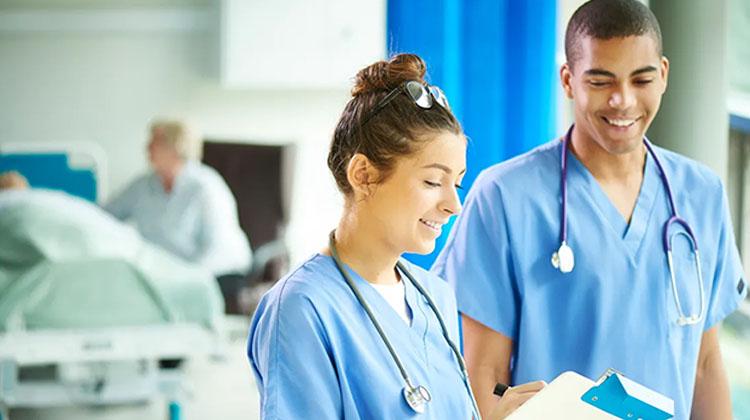 Post-bac et Parcoursup : pourquoi pas infirmier ou infirmière ? © Getty / sturti
